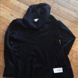 New woman's large sweater style & co black